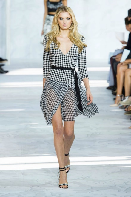 caf9f1c930 http://www.thefashionspot.com/style-trends/458401-spring-2015-trend -black-and-white/#/slide/15